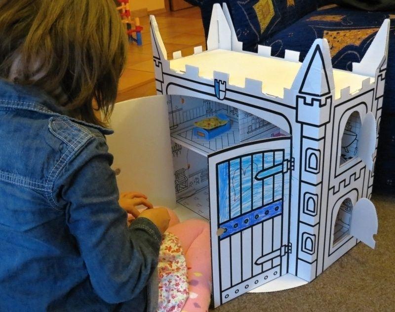 Domeček - zámek z kartonu