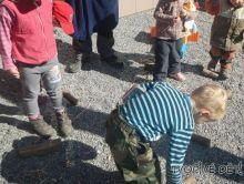 Hry pro děti venku - Hra POMÁHÁME MRAVENEČKŮM