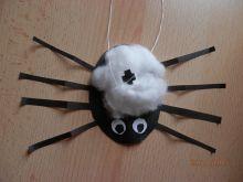 Pavouček z papíru a vaty