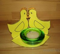 Velikonoční dekorace ke svícnu
