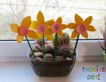 Velikonoční tvoření - Narcisky z košíčků na muffiny