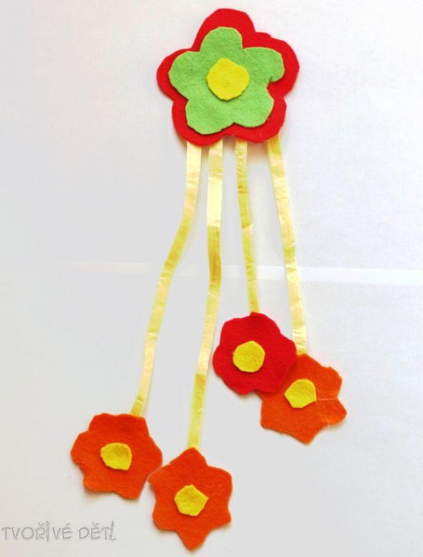 Jarní kytičková dekorace k zavěšení