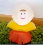 Panenka z košíčků na muffiny