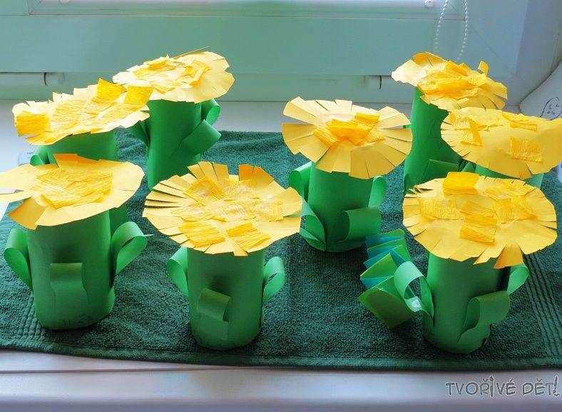 Tvoření s dětmi - Rozkvetlá louka z ruliček od toaletního papíru