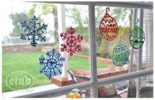 Vánoční dekorace z barev na sklo
